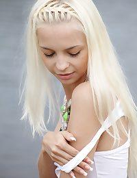 Divest blonde teen