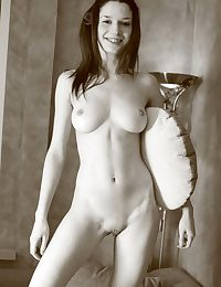 Softcore Hotty - Naturally Beautiful Fledgling Nudes